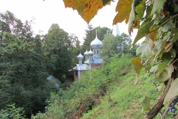 Уголок Афона на Закарпатье: Свято-Пантелеимоновский монастырь в Хуст-Колесарово
