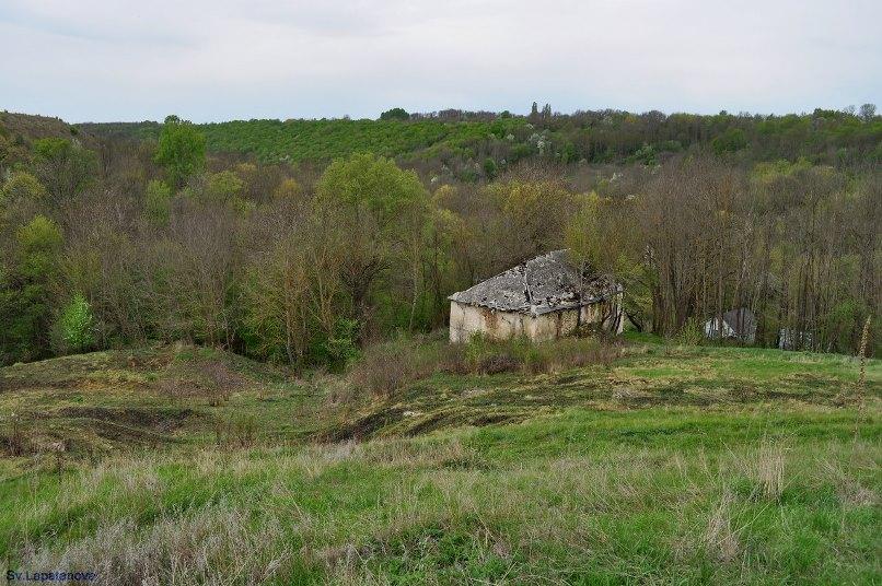 Древний монастырь на Винничине, возрождённый афонским монахом-новомучеником